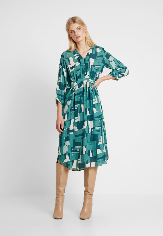 DRAPE - Shirt dress - green