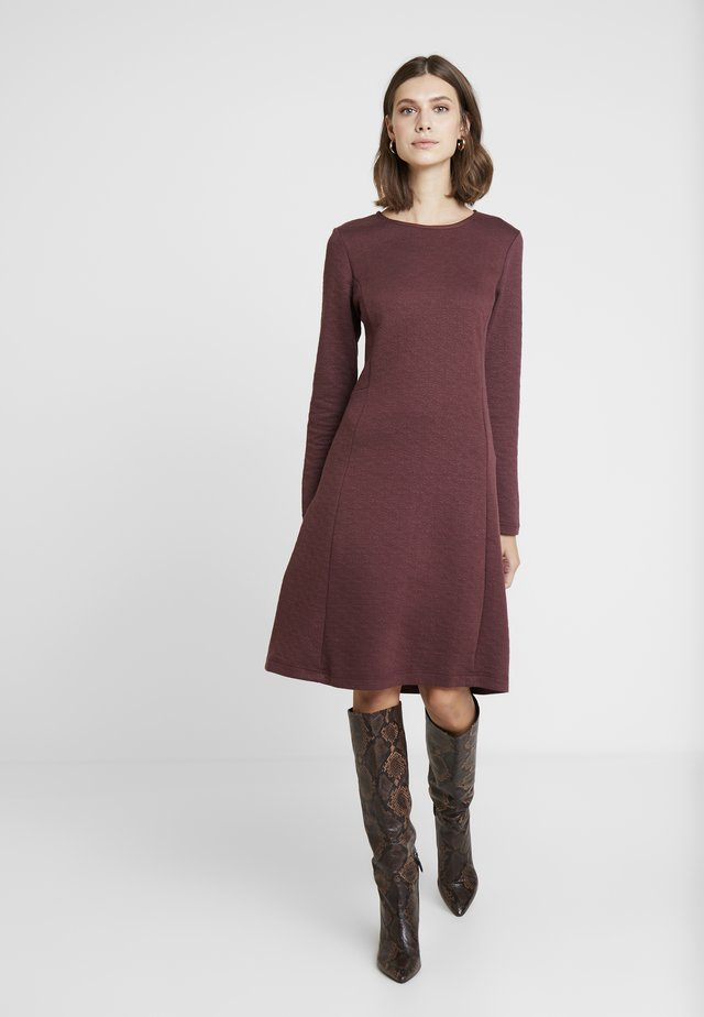ESSENTIAL - Day dress - sassafras