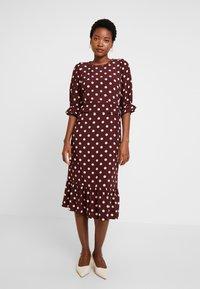 Noa Noa - DRESS LONG SLEEVE - Day dress - print bordeaux - 0