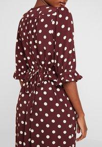 Noa Noa - DRESS LONG SLEEVE - Day dress - print bordeaux - 6