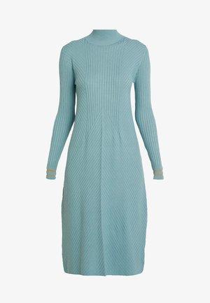 Pletené šaty - arctic
