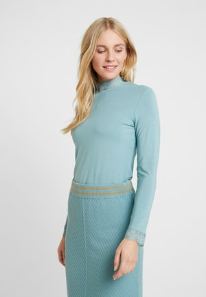Long sleeved top - arctic
