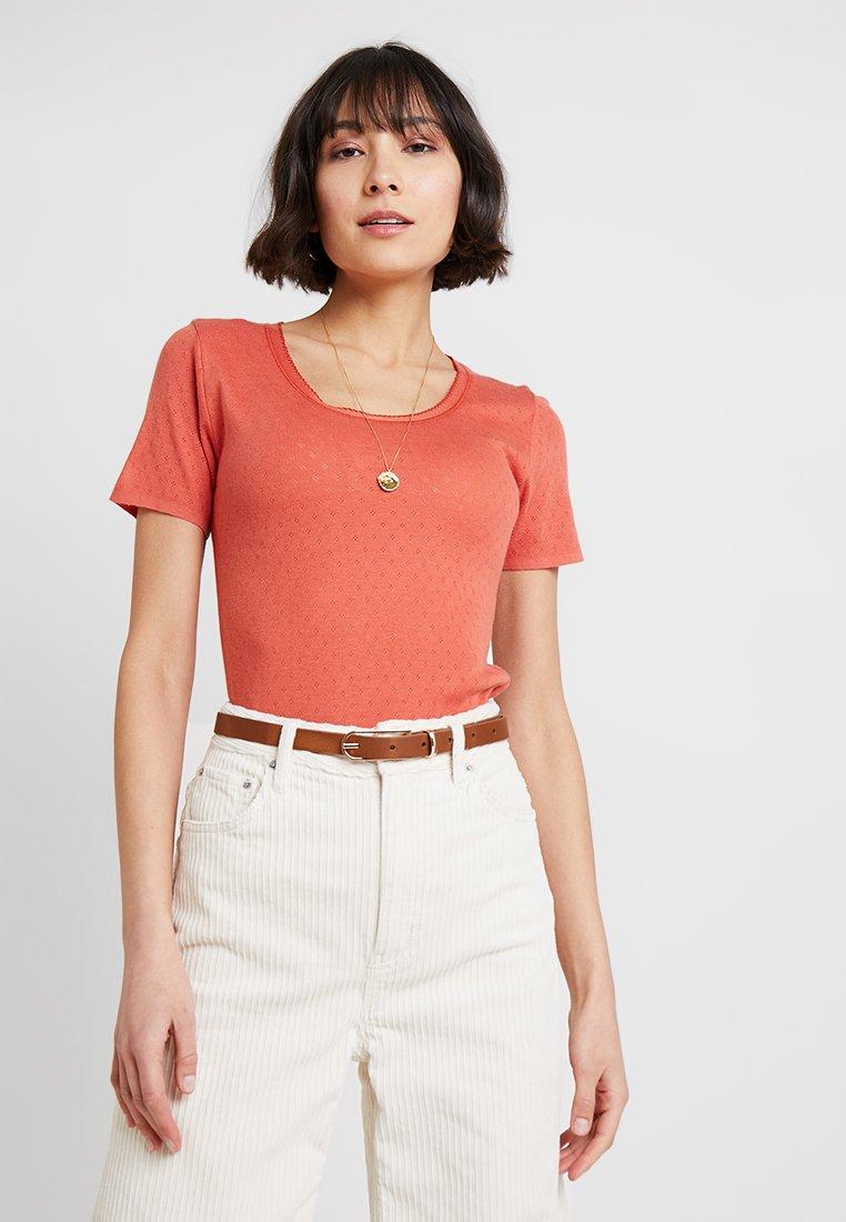 Noa Noa - BASIC NEW - Print T-shirt - mecca orange