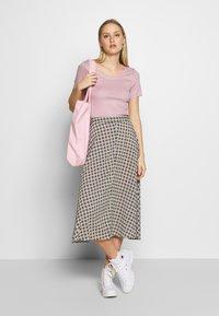 Noa Noa - BASIC NEW - T-shirt imprimé - dawn pink - 1