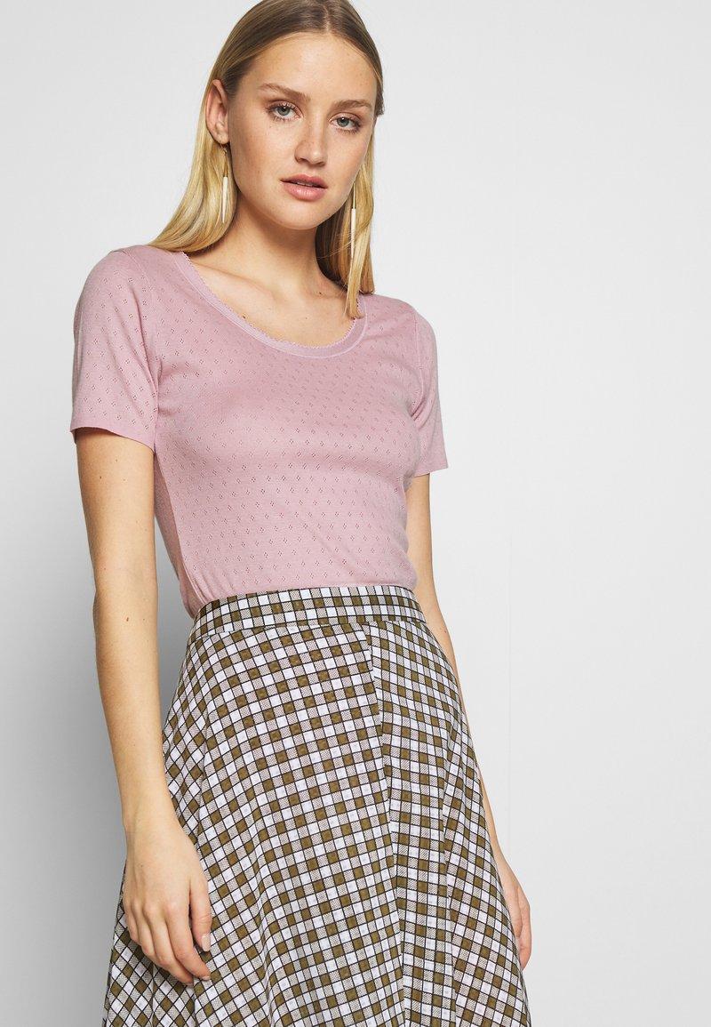 Noa Noa - BASIC NEW - Print T-shirt - dawn pink