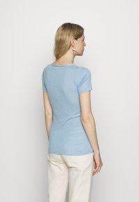 Noa Noa - BASIC NEW - Print T-shirt - powder blue - 2