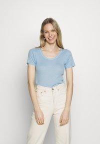 Noa Noa - BASIC NEW - Print T-shirt - powder blue - 0