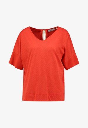 POINTELLE - Print T-shirt - valiant poppy