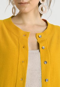 Noa Noa - BASIC - Cardigan - tomato cream - 4