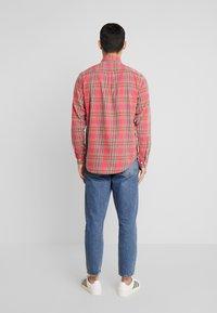 NN07 - Camisa - red - 2