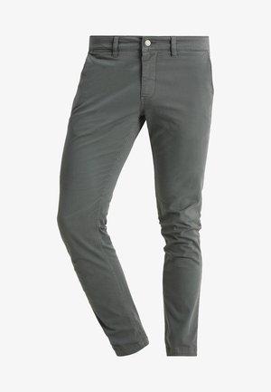 MARCO - Pantalones chinos - grau