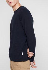 NN07 - CLIVE - Camiseta de manga larga - navy blue - 5