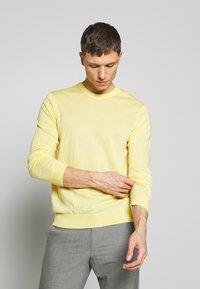 NN07 - TED - Stickad tröja - yellow - 3