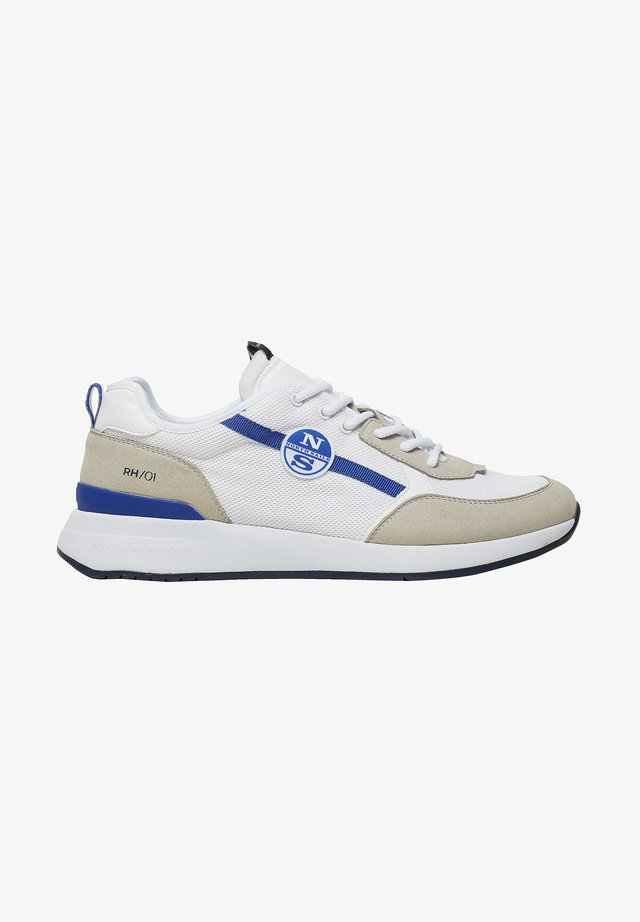 Trainers - white 0101