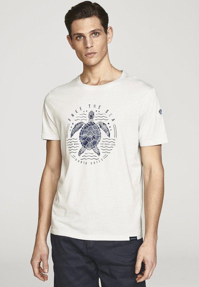 FREE THE SEA  - T-shirt print - light blue