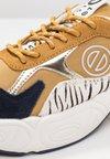 No Name - NITRO JOGGER - Sneaker low - honey/navy