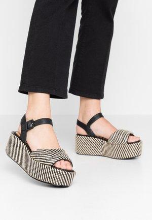 BETTY  - Korkeakorkoiset sandaalit - black/natural