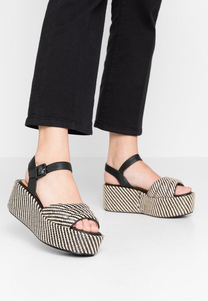 No Name - BETTY  - Korkeakorkoiset sandaalit - black/natural