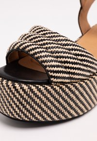No Name - BETTY  - Korkeakorkoiset sandaalit - black/natural - 2