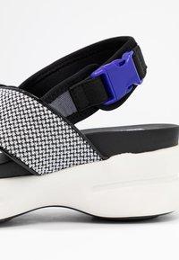 No Name - CONCRETE BAND - Korkeakorkoiset sandaalit - white - 2