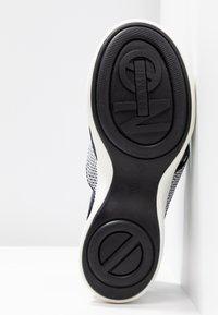 No Name - CONCRETE BAND - Korkeakorkoiset sandaalit - white - 6