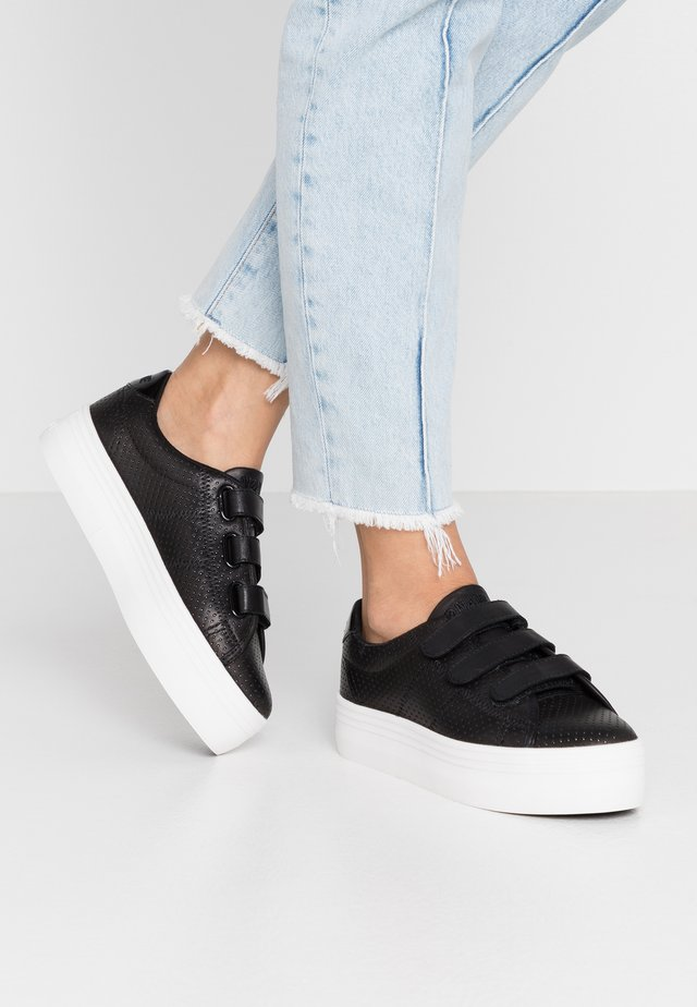 PLATO STRAPS - Sneakers laag - black/fox white