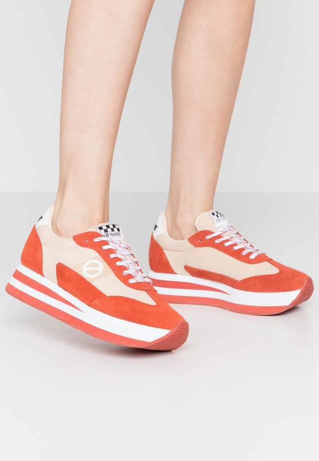 FLEX JOGGER - Sneakersy niskie - mandarine/skin