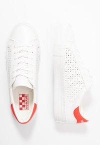 No Name - ARCADE - Trainers - white/poppy - 3