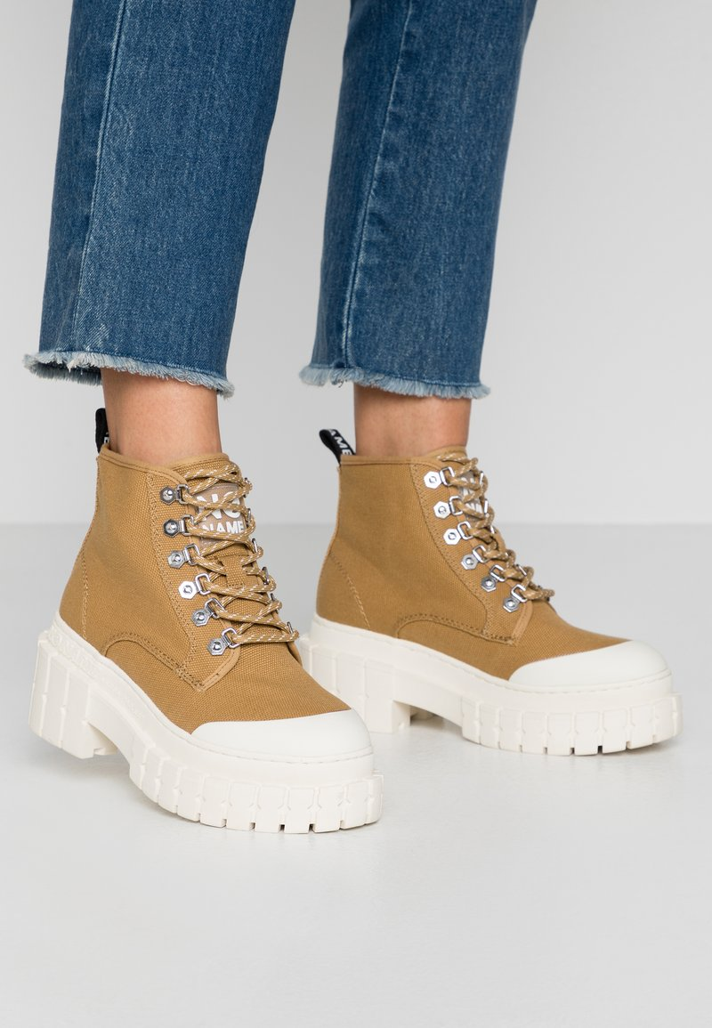 No Name - KROSS LOW - Ankle boots - tan/ivory