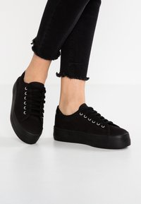 No Name - PLATO SNEAKER - Matalavartiset tennarit - black/fox black - 0