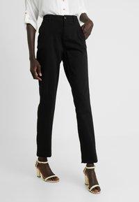 Noisy May Tall - NMHARLEM REGULAR PANTS - Broek - black - 0