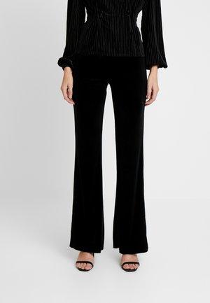 NMVELLA FLARED PANT - Pantaloni - black