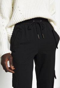 Noisy May Tall - NMHIPE CARGO PANT TALL - Cargo trousers - black - 5