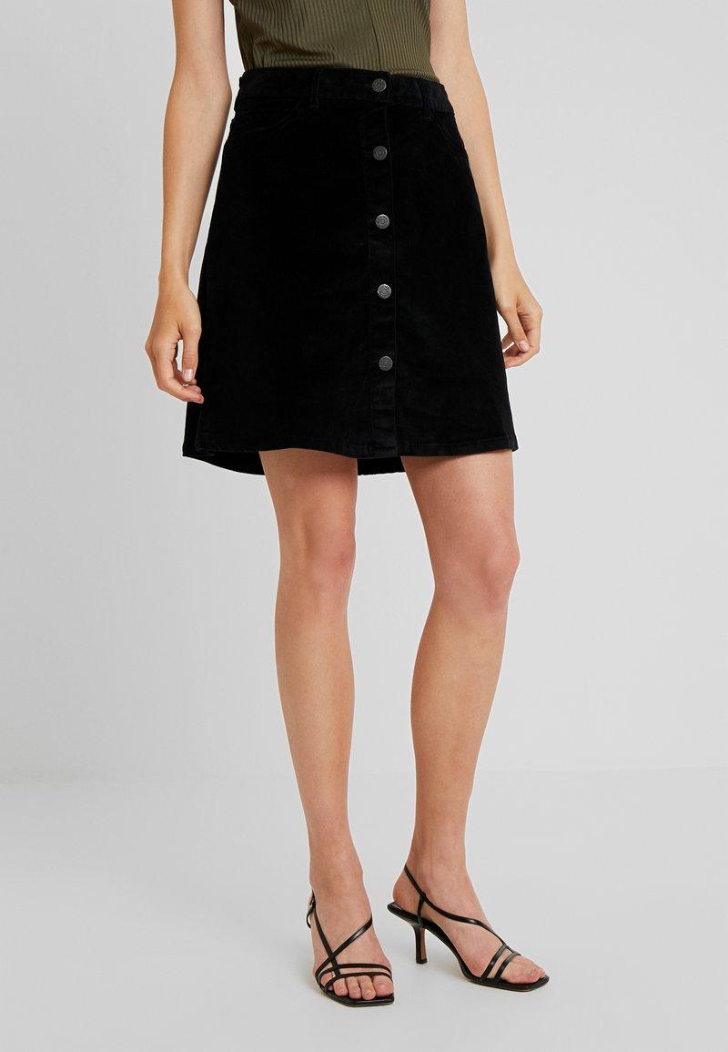 Noisy May Tall - NMSUNNY SHORT SKIRT - A-line skirt - black