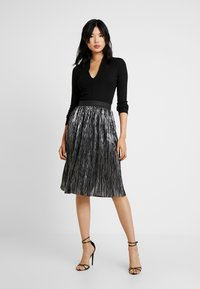 Noisy May Tall - NMKISS PLEATED SKIRT - Plisséskjørt - silver - 1