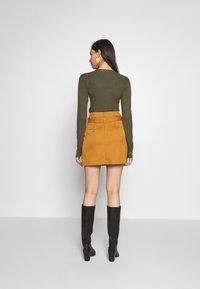Noisy May Tall - ROBERT SKIRT TALL - Minifalda - brown - 2