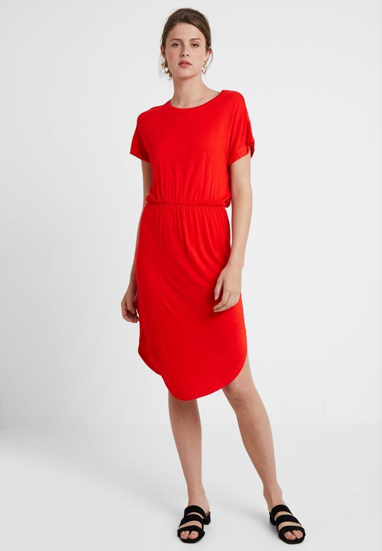 Noisy May Tall - NMNOLA DRESS - Jerseyjurk - fiery red