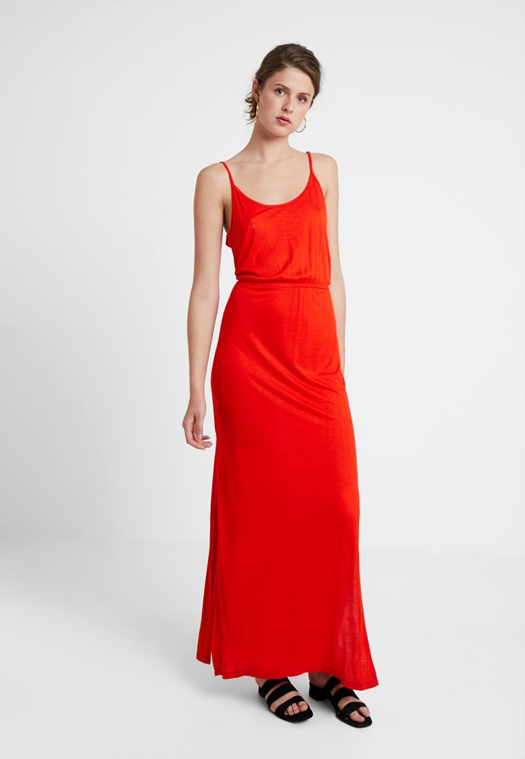 Noisy May Tall - NMIRIS STRAP DRESS TALL - Vestido largo - fiery red