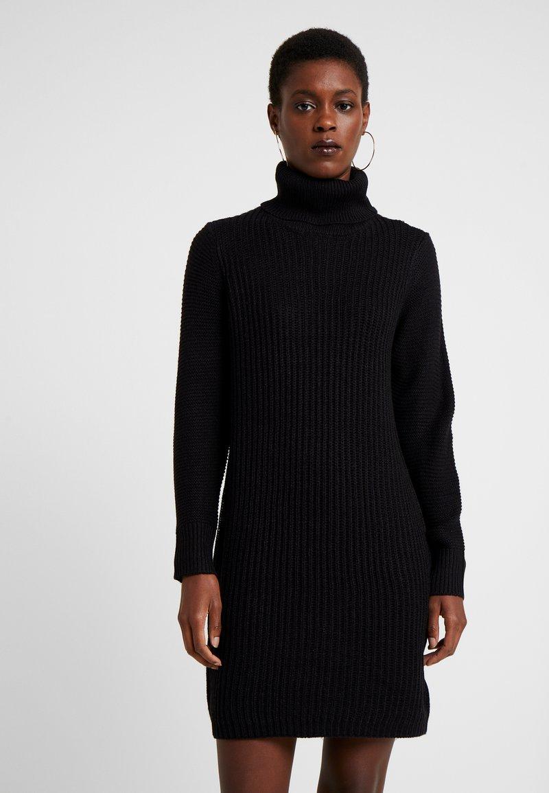 Noisy May Tall - NMAIDEN HIGH NECK DRESS - Vestido de punto - black