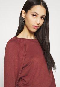 Noisy May Tall - NMHALLEY 3/4 O-NECK DRESS TALL - Vestido de punto - burnt henna - 4