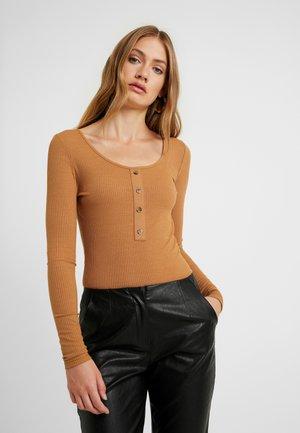NMMOX BODY - Bluzka z długim rękawem - brown sugar