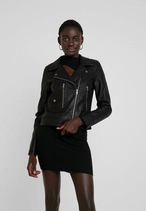 NMKARI  - Imitatieleren jas - black