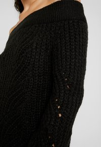 Noisy May Tall - NMPHOEBE OFF SHOULDER - Trui - black - 5