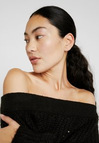 Noisy May Tall - NMPHOEBE OFF SHOULDER - Trui - black - 3