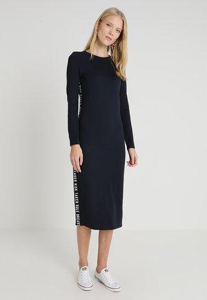 NMALINA TAPE DRESS - Žerzejové šaty - night sky