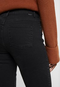 Noisy May Tall - NMJENNA - Straight leg jeans - black - 3