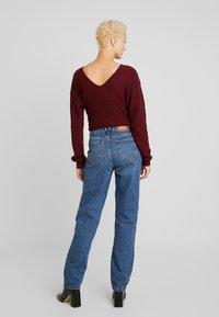 Noisy May Tall - NMMIA HEAT - Straight leg jeans - medium blue denim - 2