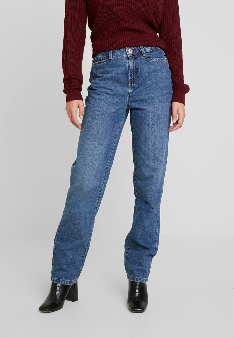 Noisy May Tall - NMMIA HEAT - Jeans a sigaretta - medium blue denim