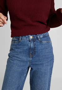 Noisy May Tall - NMMIA HEAT - Straight leg jeans - medium blue denim - 3