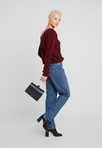 Noisy May Tall - NMMIA HEAT - Straight leg jeans - medium blue denim - 1